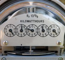 Utilities funds deliver in declining market