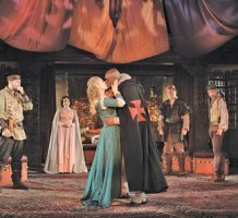 New approach enlivens Othello at Folger