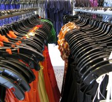 Smart mirrors help boost clothing sales
