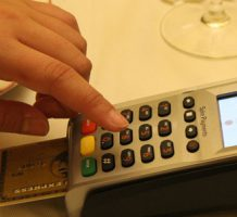 How to use credit and debit cards abroad