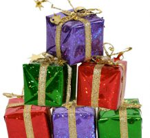Ways to keep holiday spending in check