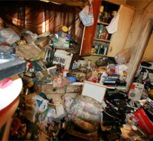 When cluttered living turns into hoarding