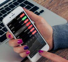 Nervous investors look to dividend stocks