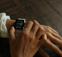 Tech devices give early health warning