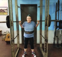 Powerlifter pushes herself to new heights