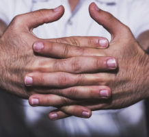 Cracking knuckles, fighting forgetfulness