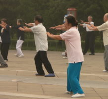 Q&A: Tai chi benefits; statin side-effects